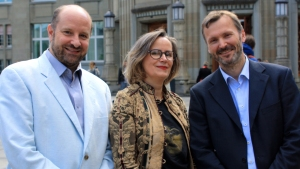 The three winners Prof. Adriano Aguzzi, Prof. Barbara Flückiger und Prof. Fritjof Helmchen (from left to right). (Image: Anna Maltsev, UZH)